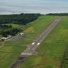ホニアラ国際空港修復