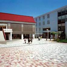 日本獣医生命科学大学A棟