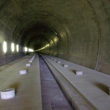 北陸新幹線高丘トンネル