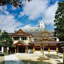 四柱神社参集殿